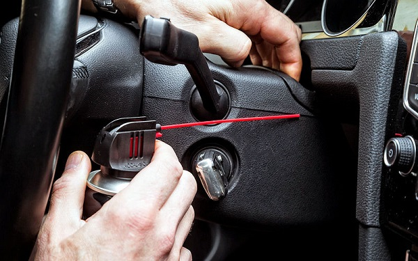 Борьба со скрипом «сверчками» в салоне автомобиля